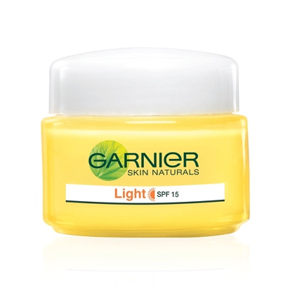 Garnier Skin Natural Light